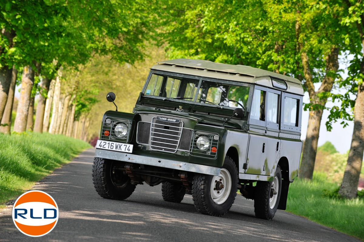 Land Rover 109 SIII 6 cylindres